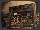 Démonstration des possibilités sonores du synthé modulaire Polyfusion.