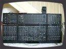 Essai du synthé modulaire Roland System 700. Encore une légende des modulaires!