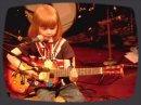 Un gosse de 5 ans interprète le grand classique de Johnny Cash,