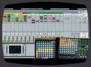 Démonstration de l'utilisation simultanée sous Ableton Live 8 des contrôleurs Launchpad de Novation et APC40 d'Akai.