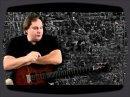 Brad Henecke nous parle de quelque chsoe de crucial pour un guitariste : le choix de sa guitare.